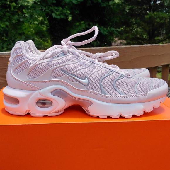 brand new f9c8d 295ca Nike Air Max plus TN running shoes